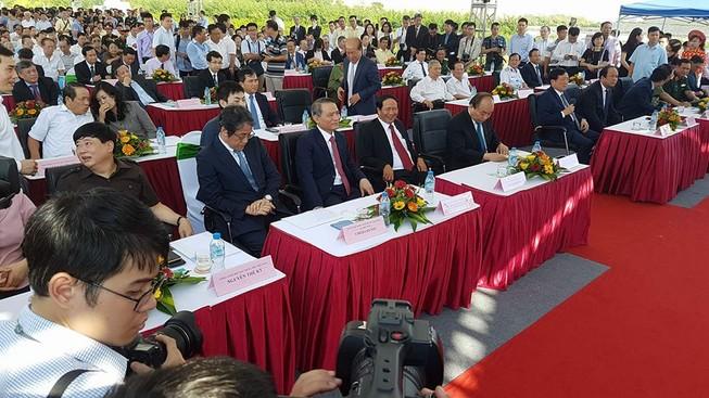 Thủ tướng dự lễ thông cầu vượt biển dài nhất Việt Nam