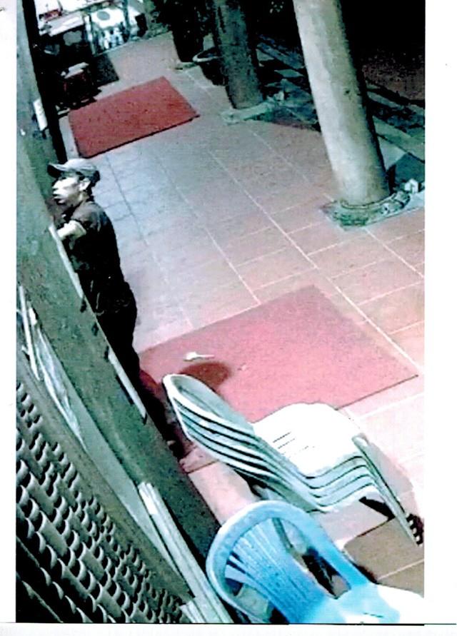Trộm đột nhập ngôi đền khui hòm công đức lấy 300 triệu đồng