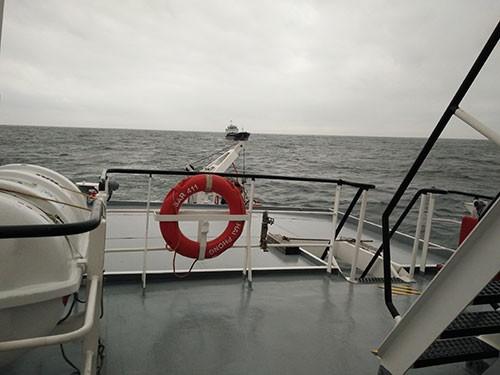 Cứu 8 người gặp nạn trên biển trong điều kiện sóng to, gió lớn