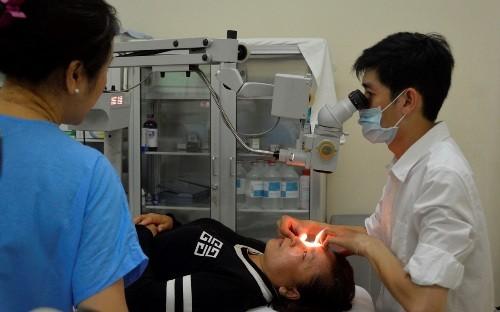 Phẫu thuật mắt miễn phí cho người dân Cần Giờ