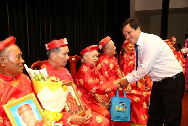 Tổ chức lễ thượng thọ cho 1.000 người cao tuổi