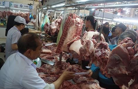 Tung ra thị trường hàng trăm tấn thịt heo sạch