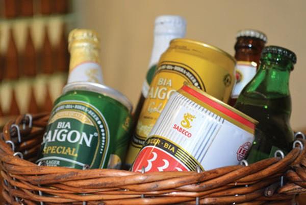 Bia Sài Gòn 'cháy hàng' ngày đầu tiên lên sàn