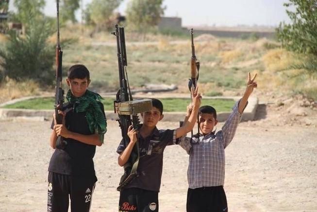 IS tấn công trường học, bắt cóc 120 học sinh
