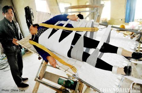 Chiếc giường tự chế 'thần kỳ' giúp vợ khỏi bệnh sỏi thận