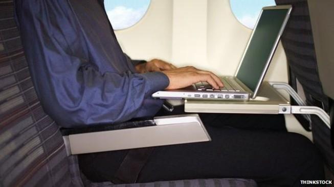 Hệ thống điều khiển máy bay có thể bị hack