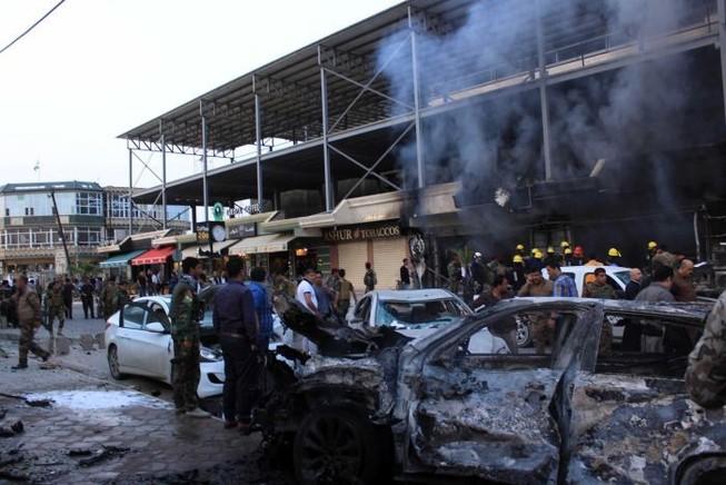 Nổ bom bên ngoài lãnh sự quán Mỹ: 3 người chết