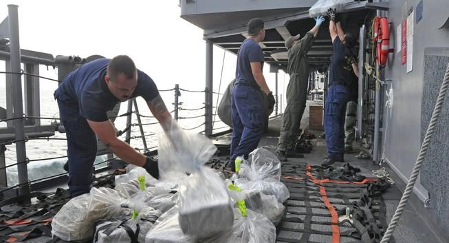 Hải quan bắt giữ 3 nghi phạm, tịch thu hơn 2 tấn ma túy