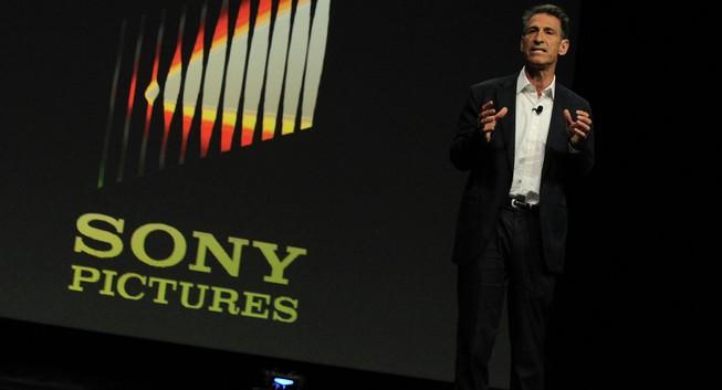 Wikileaks tiết lộ thư điện tử của CEO Sony Michael Lynton