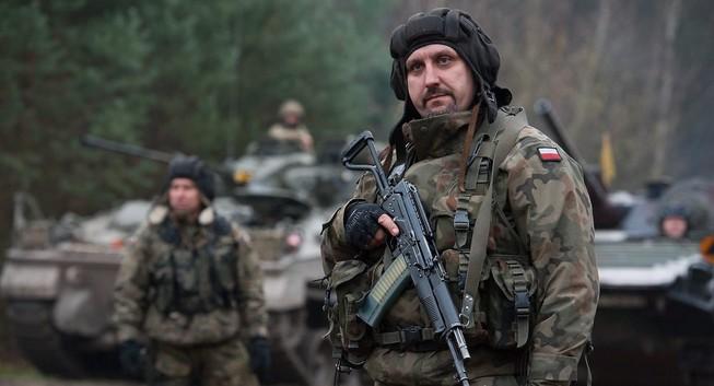 Đến lượt quân đội Ba Lan nhúng tay vào bạo động Ukraine?