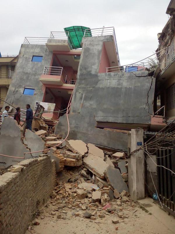 Nóng: Động đất cực mạnh xuyên quốc gia giết chết ít nhất 108 người