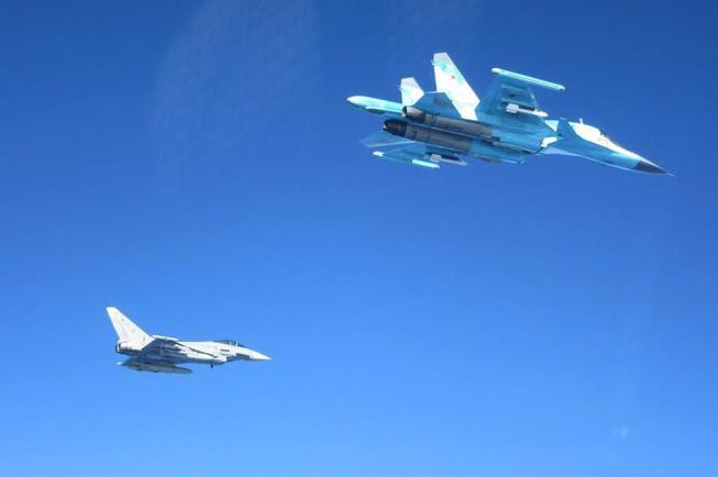 Máy bay chiến đấu Tây Ban Nha và Nga 'chạm mặt' trên biển Baltic