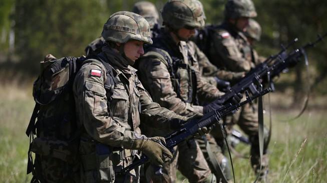 Lữ đoàn quân sự Lihuanian-Ba Lan-Ukraine ra đời