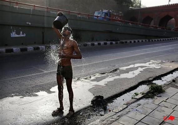 Hốt hoảng trước số người chết vì nắng nóng