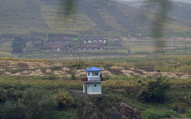 Triều Tiên phá hủy 10.000 ngôi nhà gần biên giới Trung Quốc