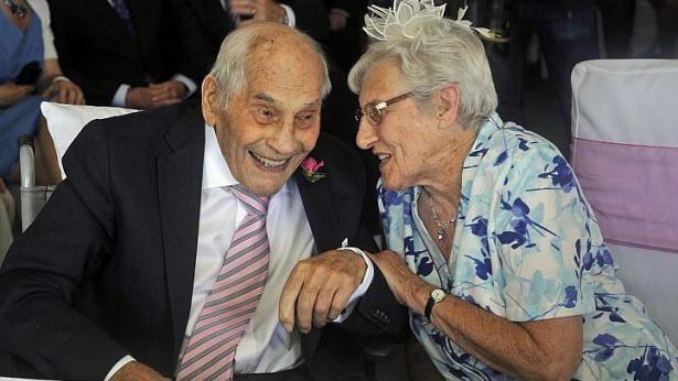 Cặp vợ chồng mới cưới già nhất thế giới: 103 tuổi và 91 tuổi