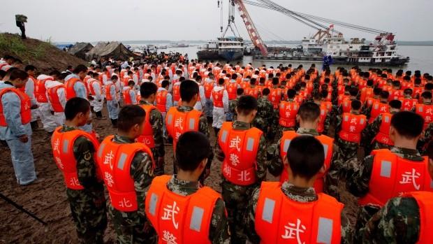 Chìm tàu Trung Quốc: Nhân viên cứu hộ liên tục gặp ác mộng