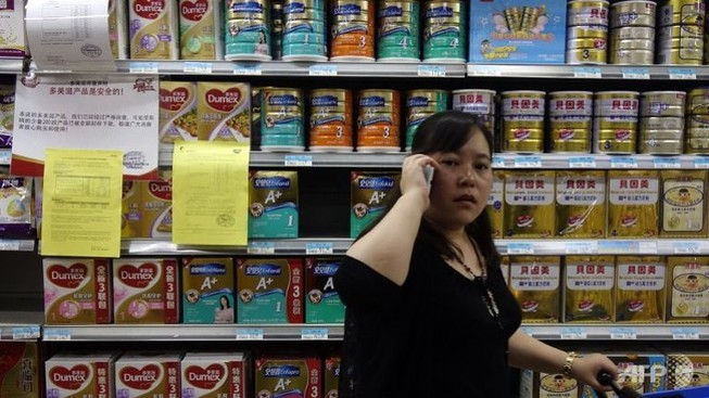 Sữa bột Trung Quốc lại dính bê bối hóa chất