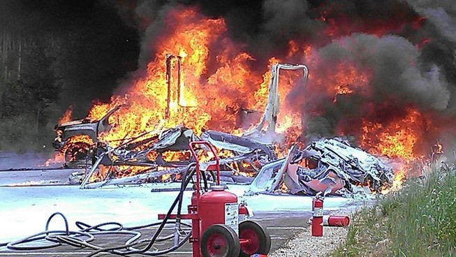 Trực thăng y tế rơi, bốc cháy dữ dội, phi công tử nạn