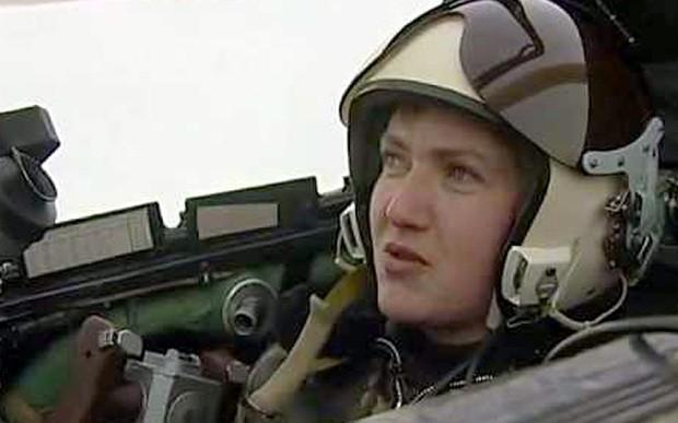 Một nữ phi công bị buộc tội giết người