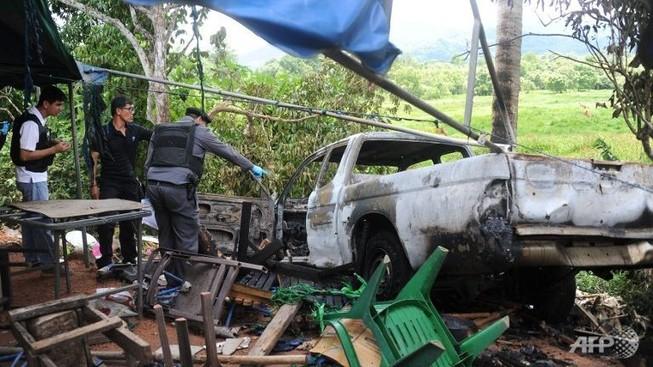 Hai binh lính bị bắn và bị thiêu cháy: Thái Lan lại loạn