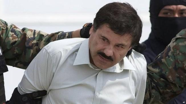 Bảy quan chức bị buộc tội giúp trùm ma túy Guzman tẩu thoát