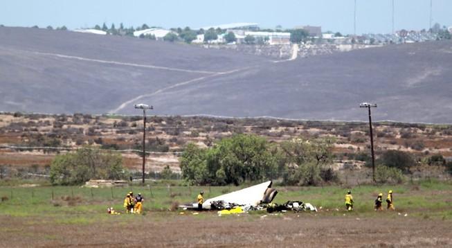 Hai máy bay đâm nhau, 5 người chết