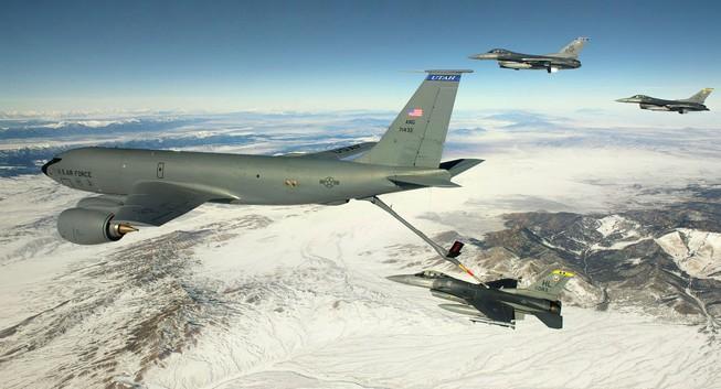 Máy bay tiếp dầu của Mỹ lại phải hoãn bay thử nghiệm
