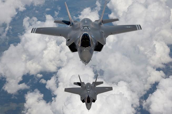 Lầu Năm góc căng thẳng nội bộ sau đánh giá F-35