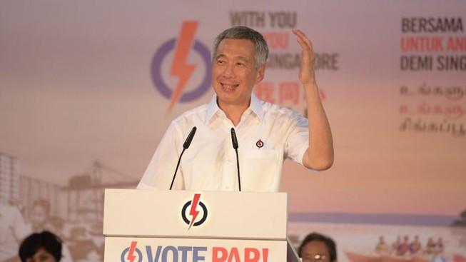 'Nhân phẩm yếu kém, đừng làm chính trị'