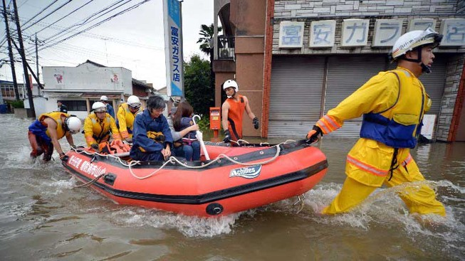 Bão Etau: Sơ tán khẩn khắp Nhật Bản