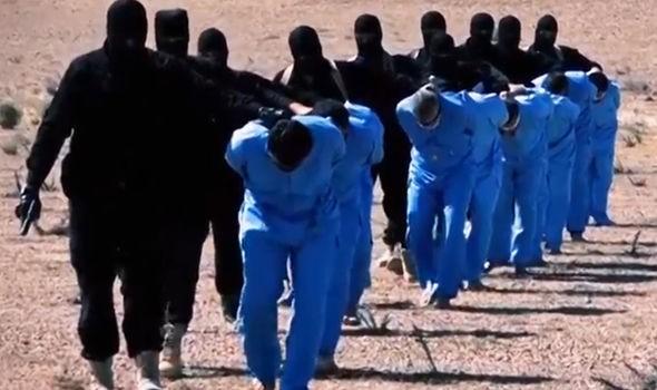 IS dùng máu của tù nhân để chữa trị cho binh sĩ