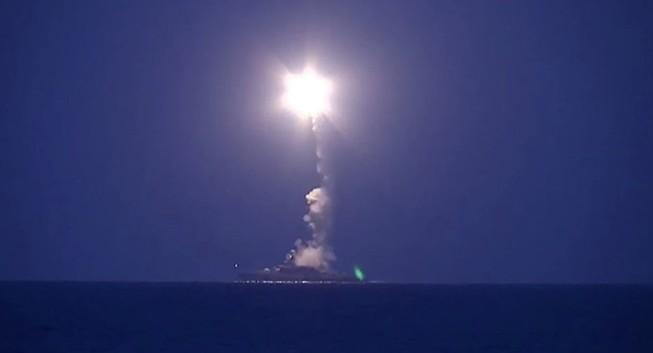 Tên lửa Nga 'cảnh tỉnh' Mỹ