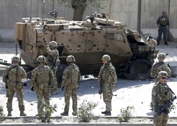 Afghanistan: Khủng bố đánh bom liều chết với lính nước ngoài