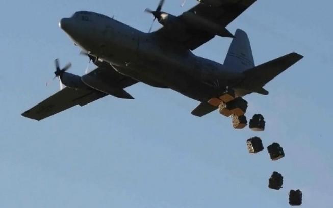 Mỹ thả 50 tấn đạn dược cho quân nổi dậy Syria