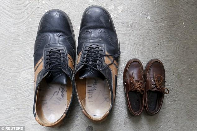 Chân dung người có đôi bàn chân to nhất thế giới