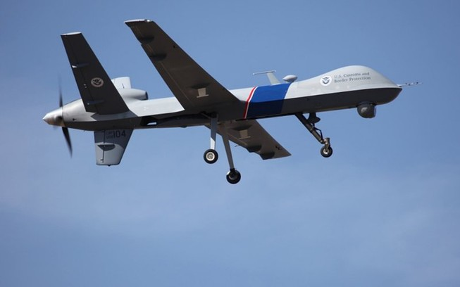 Mỹ ra luật mới hạn chế máy bay không người lái 'gây họa'