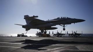 Máy bay chiến đấu Mỹ đụng độ Nga ngoài khơi bán đảo Triều Tiên
