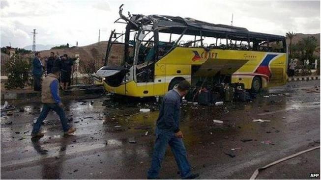 Nóng: Đánh bom tại câu lạc bộ của cảnh sát, ba người chết