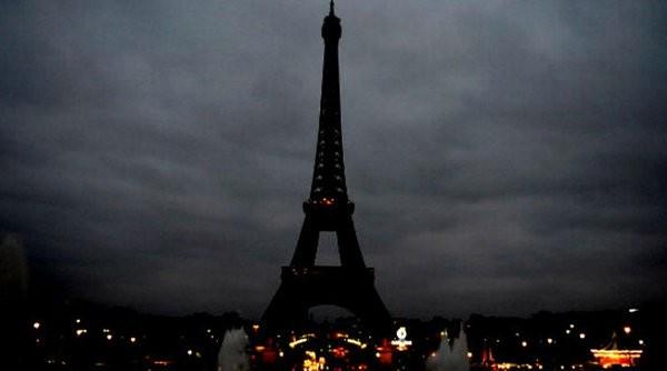 Cập nhật khủng bố ở Paris: Xác nhận tám kẻ tấn công đã chết