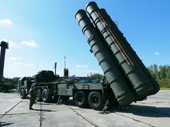 Máy bay ném bom Nga tấn công sát biên giới Thổ Nhĩ Kỳ