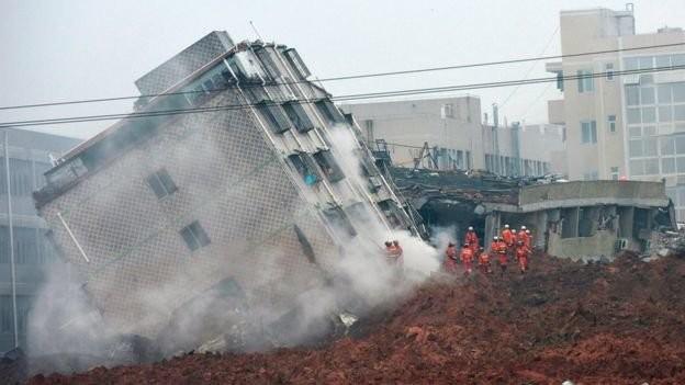 Lở đất Trung Quốc chôn vùi 33 tòa nhà, 91 người mất tích