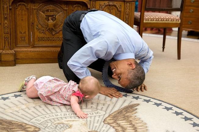 Những khoảnh khắc 'đáng yêu' của Tổng thống Obama và trẻ em