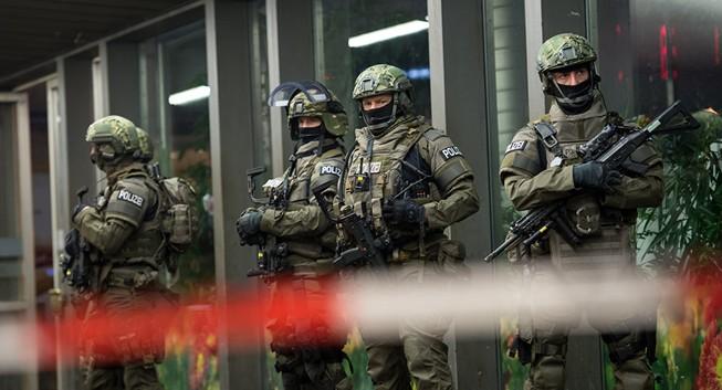 Đức sơ tán khẩn hai nhà ga phòng khủng bố đêm giao thừa