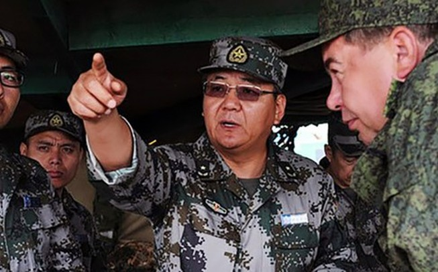Trung Quốc sa thải sĩ quan quân đội cấp cao vì vụ ngộ độc rượu