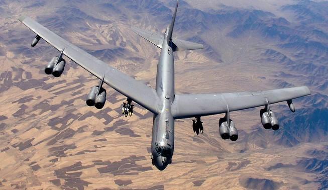 Pháo đài bay B-52 của Mỹ bay ngang Hàn Quốc, 'răn đe' Triều Tiên