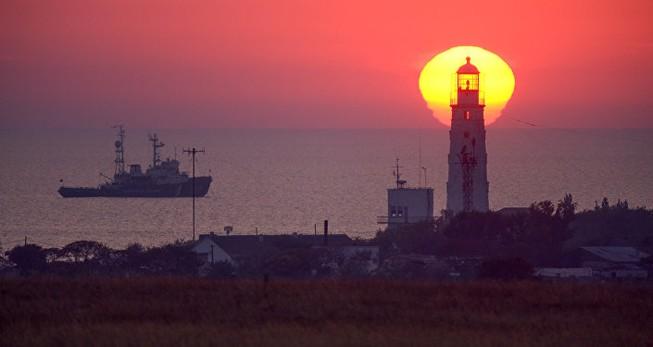 Nga bất ngờ cắt điện Ukraine