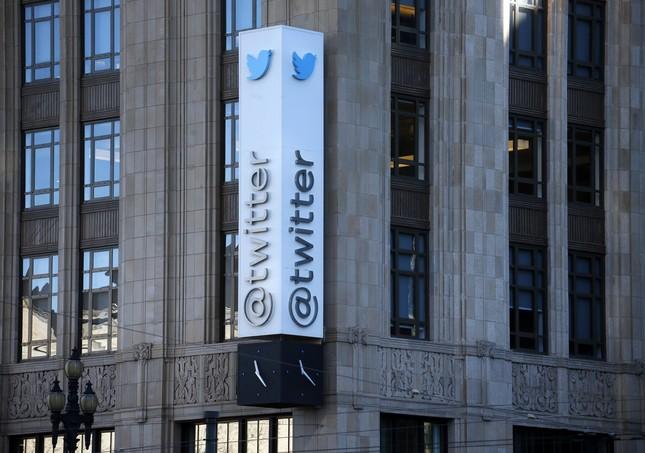 Twitter bị kiện hỗ trợ IS khủng bố