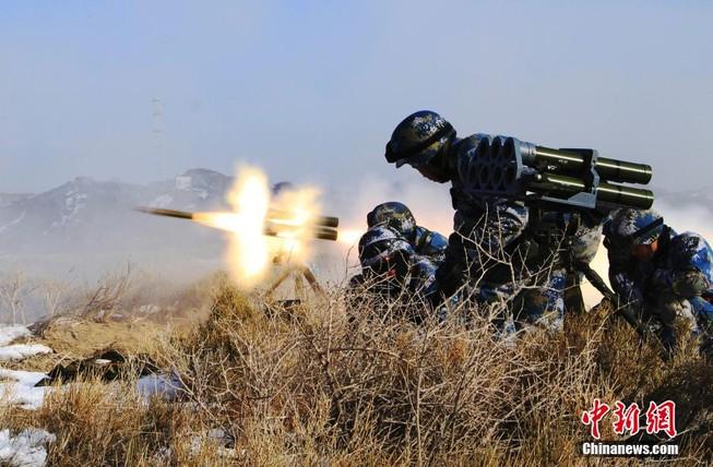 Thủy quân lục chiến Trung Quốc lần đầu tập trận ở Tân Cương