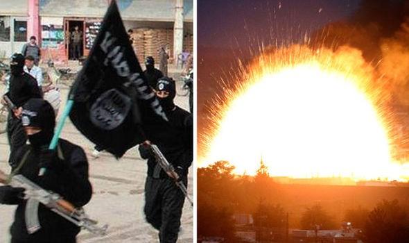 Kẻ chế tạo bom IS 'khóc như trẻ con' khi bị bắt